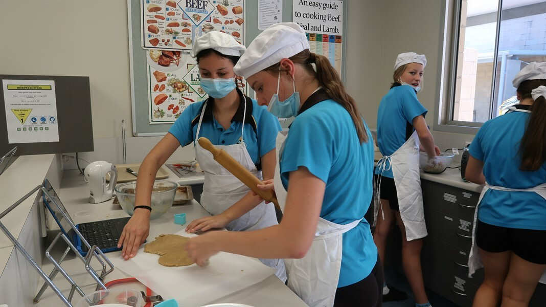 Yr8 Technology Food Ginger Bread cookies 191021 (14)