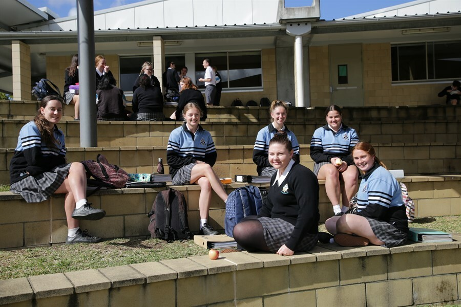 Yr12 Around the College (10)